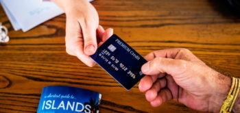 Какую кредитную карту Сбербанка выбрать: процентные ставки и условия