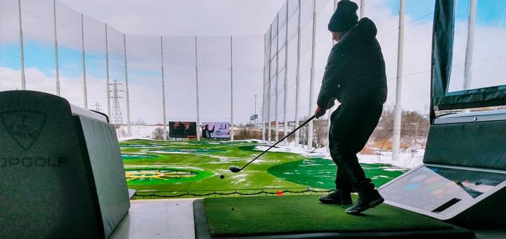 Миниатюрное поле для гольфа